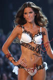 th_09645_fashiongallery_VSShow08_Show-368_122_1057lo.jpg