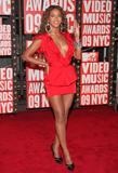BEYONCE'S NIGHT AT MTV VMA '09 Th_94966_Beyonce_celebutopia_net_274_122_25lo