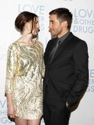 http://img42.imagevenue.com/loc514/th_21864_Anne_Hathaway_Love_And_Other_Drugs_Sydney_Premiere_015_122_514lo.jpg