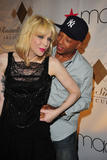 Кортни Лав, фото 1. Courtney Love at Russell Simmons' Argyleculture Fall 2010 08-03, photo 1
