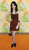 http://img42.imagevenue.com/loc709/th_20065_Emma_Roberts_2009-03-28_-_Nickelodeon9s_22nd_Annual_Kids8_Choice_Awards_265_122_709lo.jpg
