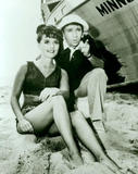 Dawn Wells Gotta wonder what Mary Ann and Gilligan were up to 'behind the scenes'.... Foto 4 (Доун Уэллс Gotta Интересно, что Мэри-Энн и Гиллиган было до 'За сценой '.... Фото 4)