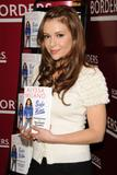 Alyssa Milano at book signing of Safe at Home by Alyssa Milano at Borders Books in New York City - Hot Celebs Home